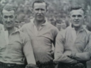 Eric Harris (centre) with Leeds' teammates, Welshman, Con Murphy (left) and John Kelly before a match in the 1938-39 English season