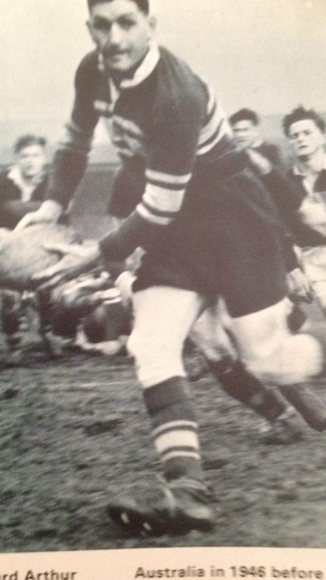 Arthur Clues playing for Leeds